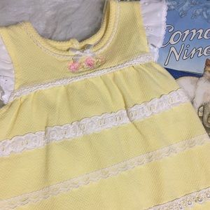 [Baby Headquarters] Lace Trimmed Romper